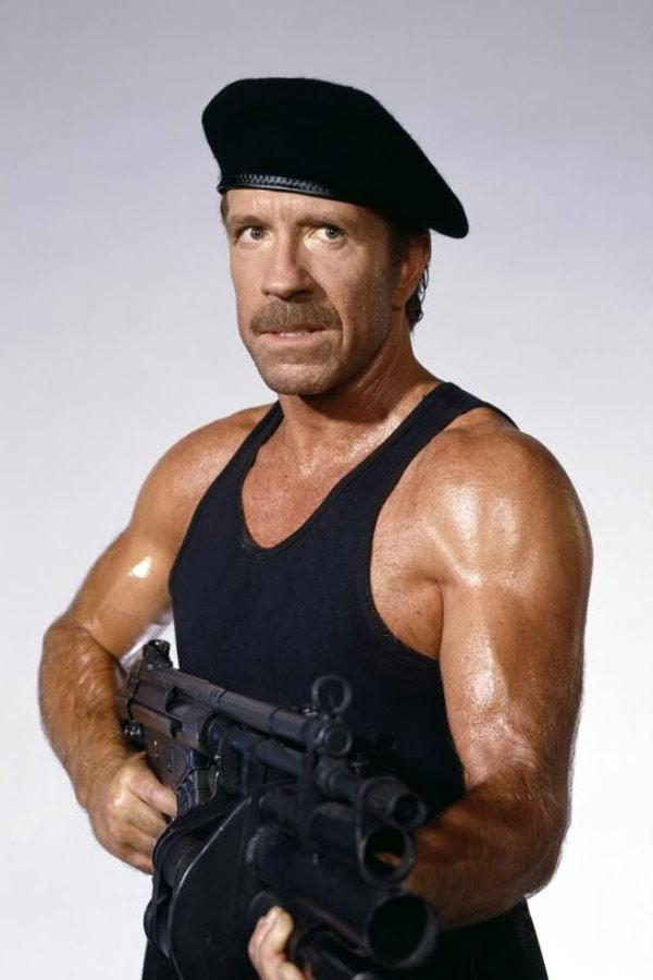 chuck-norris-in-styrka-delta-force-2-1990-large-picture