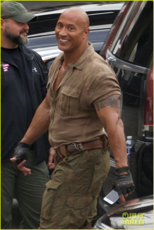 dwayne-johnson-kevin-hart-get-to-work-filming-jumanji-01
