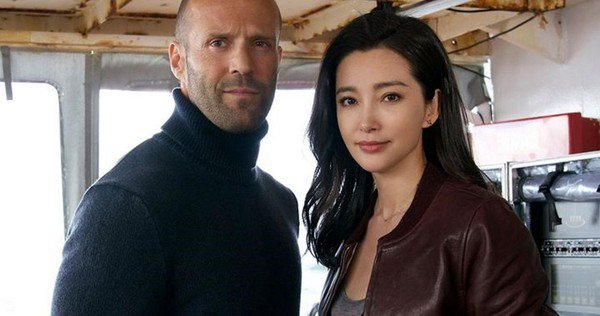 Meg-Movie-Plot-Details-Jason-Statham-Giant-Shark