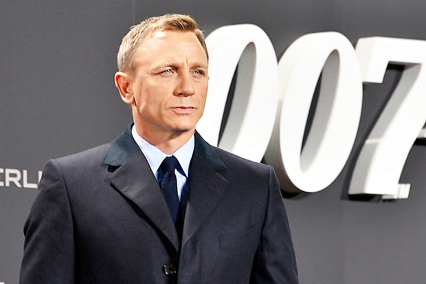 Daniel_Craig_-_Film_Premiere__Spectre__007_-_on_the_Red_Carpet_in_Berlin_22387409720